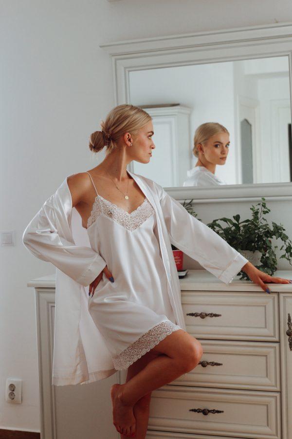 set pijama satin halat si rochita alb