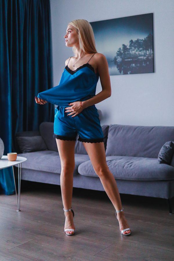 pijama scurta din satin albastru turquaz cu dantela neagra (1)